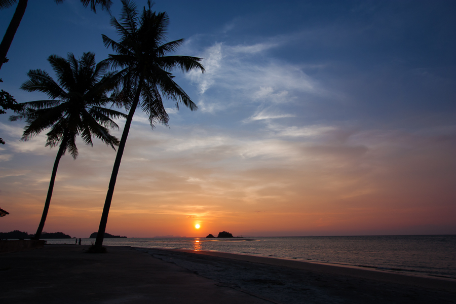 things to do in koh lanta watch sunset